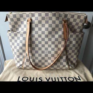 Louis Vuitton totally mm in azur